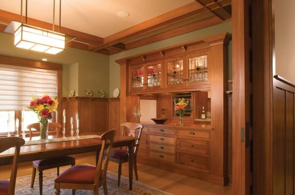 Встроенный буфет в кухне и столовой