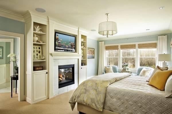 Встроенная стенка в дизайне спальни