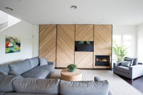 Встроенные шкафы купе в дизайне гостиной