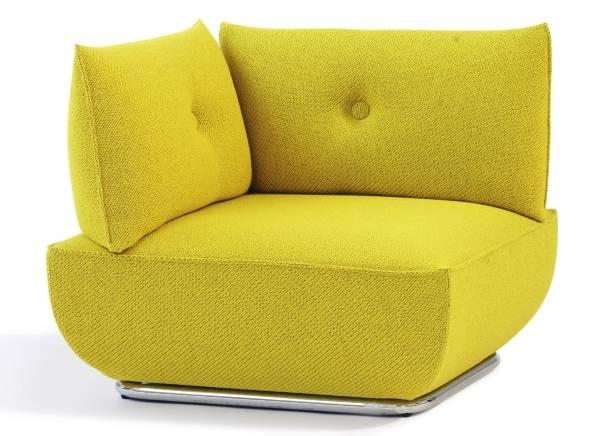 Желтое угловое кресло в современном стиле