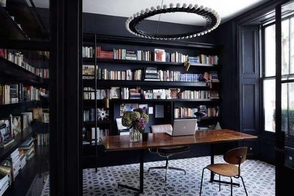 Дизайн домашнего офиса с библиотекой