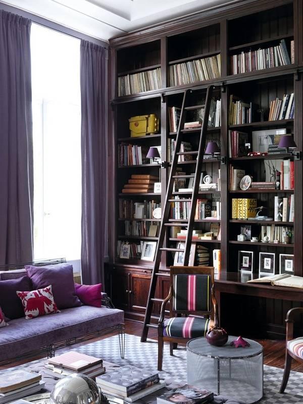 Книжные шкафы с лестницей