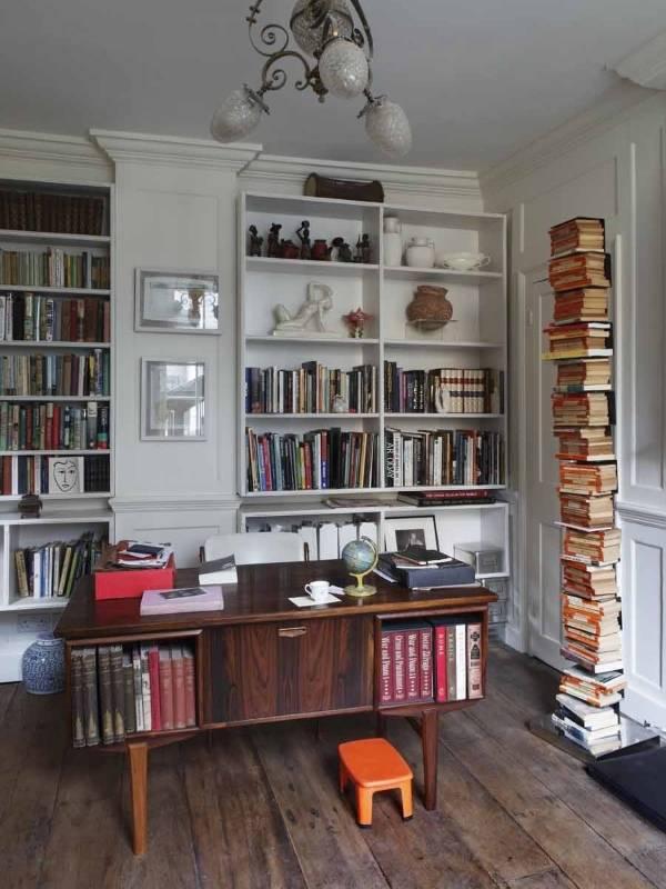 Дизайн кабинета с книжными полками