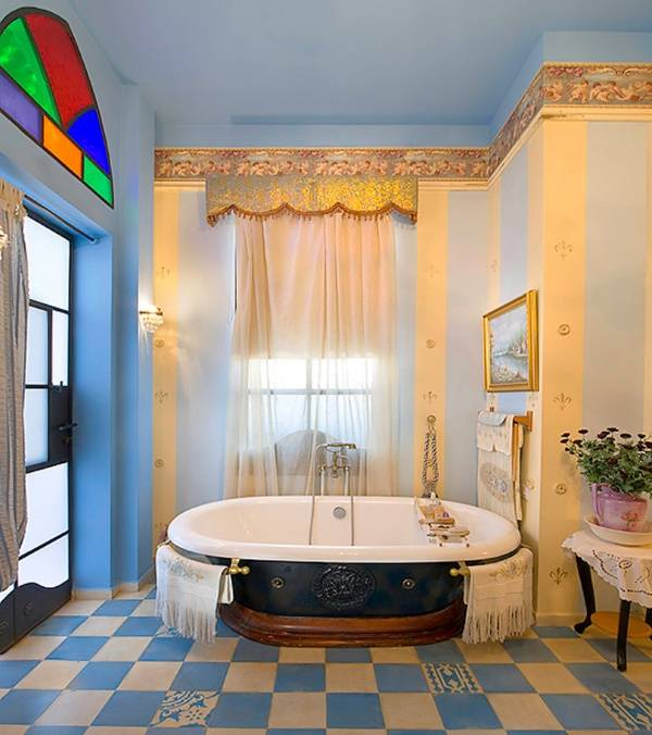 Красивый обойный бордюр - фото в дизайне ванной