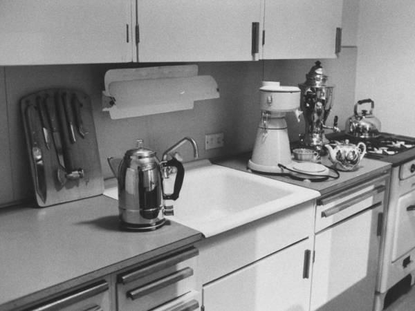 Советская кухня в стиле минимализм 50-х