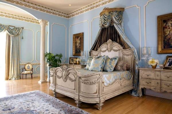 Настенные бордюры для обоев в дизайне спальни