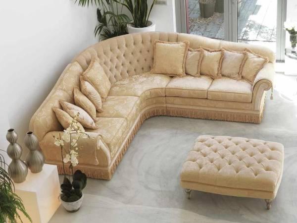 Угловая мягкая мебель для зала фото в классическом стиле