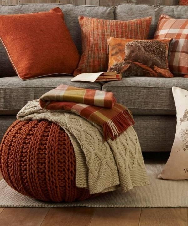 Осенний декор своими руками: пуфики и подушки