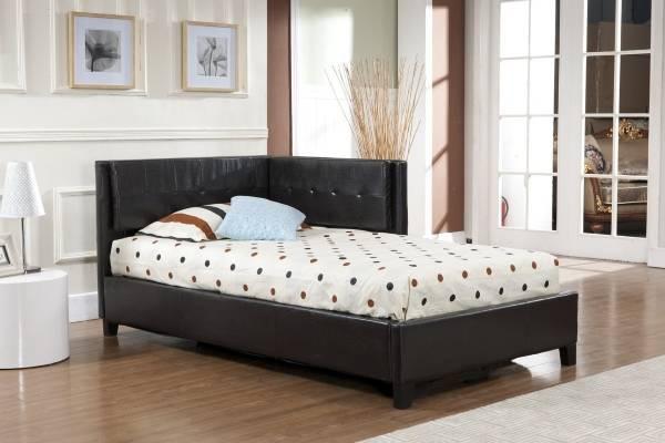 Угловая мягкая мебель - кровать с угловым изголовьем