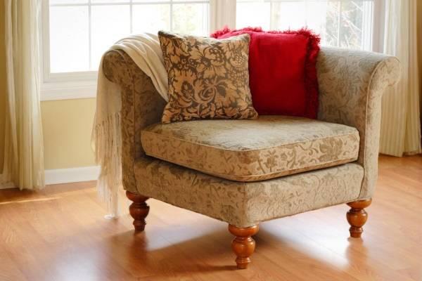 Угловое кресло в классическом стиле
