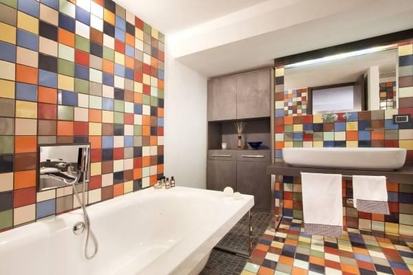 Разноцветная плитка для ванной комнаты фото дизайн