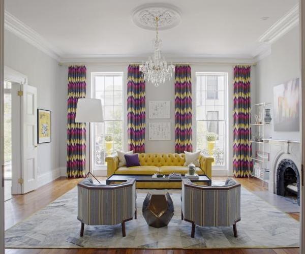 Желто-серая гостиная в современном стиле на фото