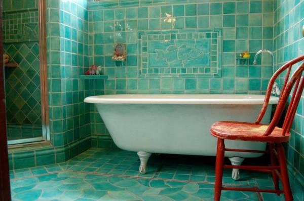 Бирюзовая плитка для ванной в стиле прованс