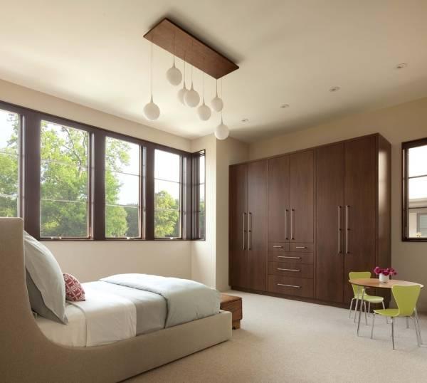 Красивый шкаф для спальни в современном стиле