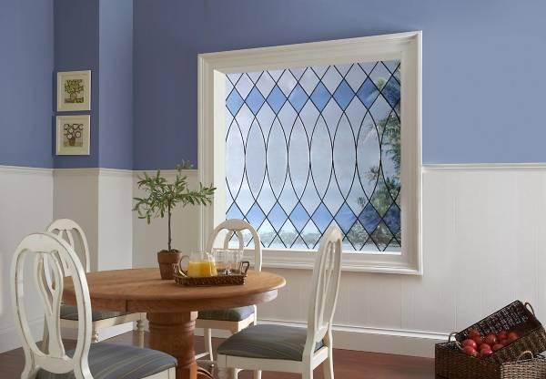 Красивые окна - фото декоративной отделки стекла