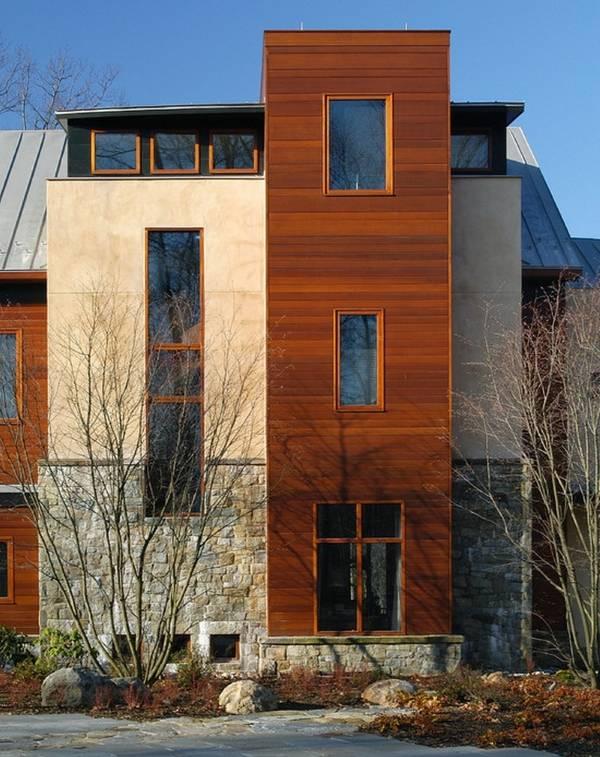 Деревянные окна - фото фасада частного дома