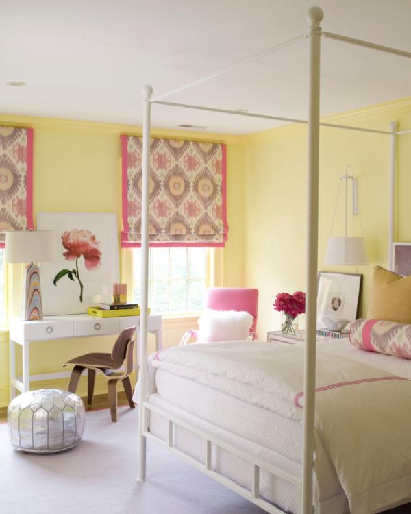 Яркие римские шторы для спальни