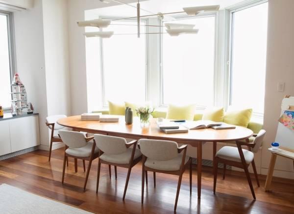 Стол обеденный овальный в дизайне кухни