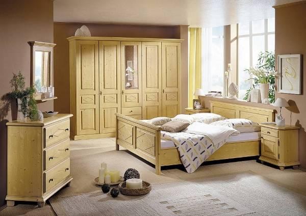 Деревянный шкаф в спальне luxury