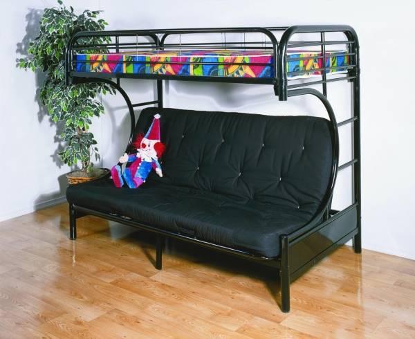 Черная кровать чердак с диваном в интерьере
