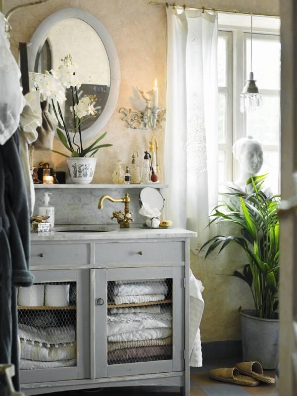 Стильная серая мебель для ванной прованс