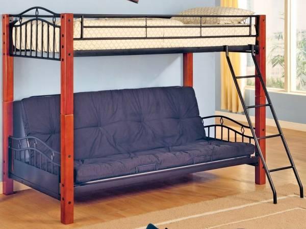 Кровать чердак из дерева и металла