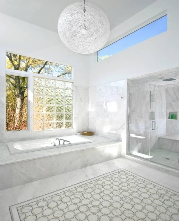 Стекловолоконные окна в дизайне ванной