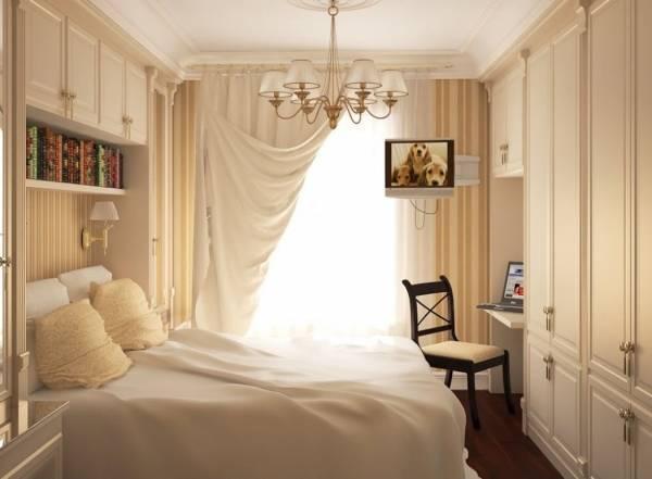 Встроенные шкафы в спальне маленького размера