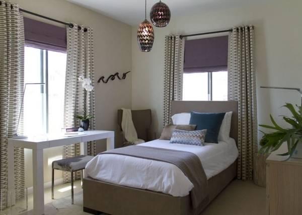 Темные римские шторы - фото в спальне подростка