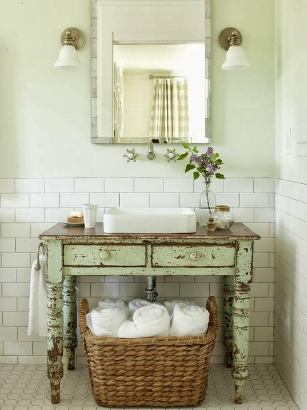 Старая мебель для ванной прованс