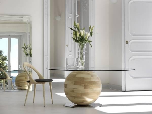 Необычный круглый обеденный стол для кухни или гостиной