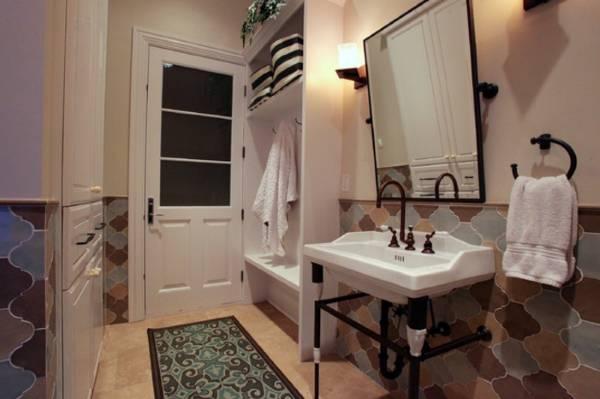 Стильная фигурная плитка для ванной в стиле прованс