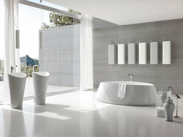 Белая ванная комната в стиле хай тек