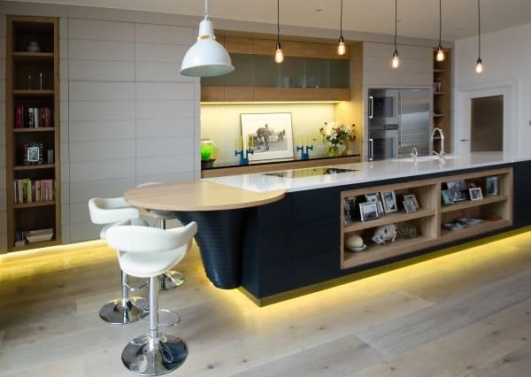 Стиль хай тек в интерьере - фото кухни в доме