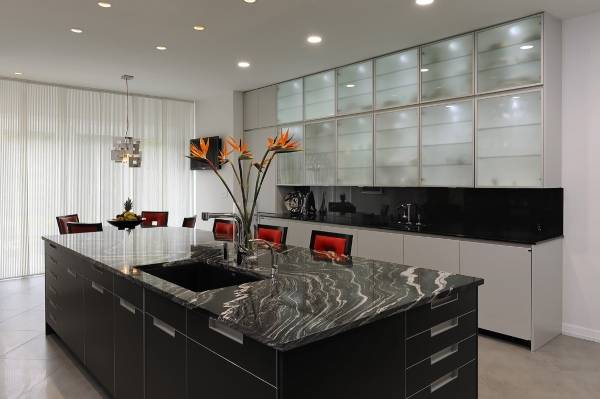 Стиль хай тек в интерьере - фото красивой кухни