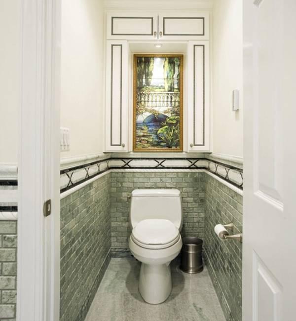 Встроенный навесной шкаф в туалете