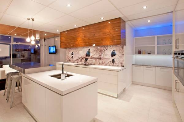 Белый интерьер в стиле хай тек - фото кухни