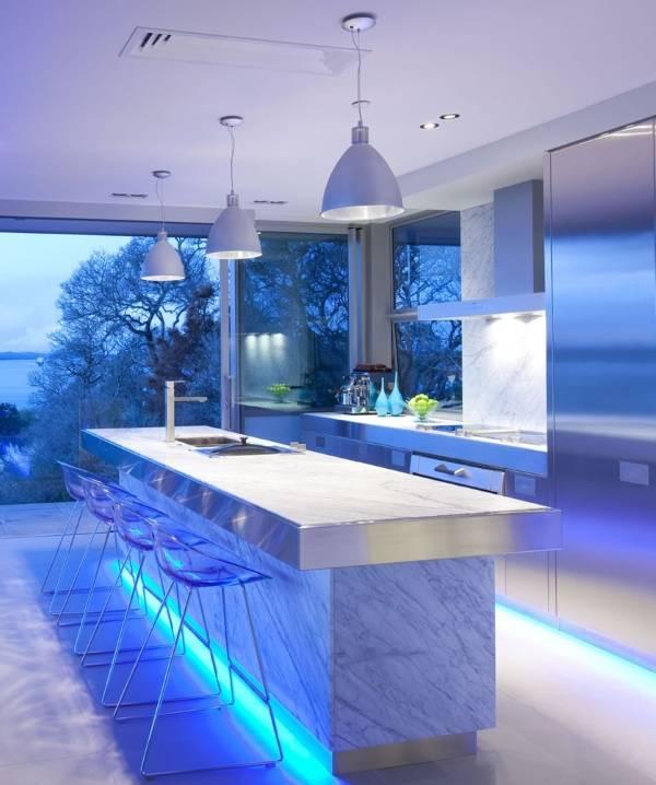 Футуристический стиль High Tech в интерьере кухни
