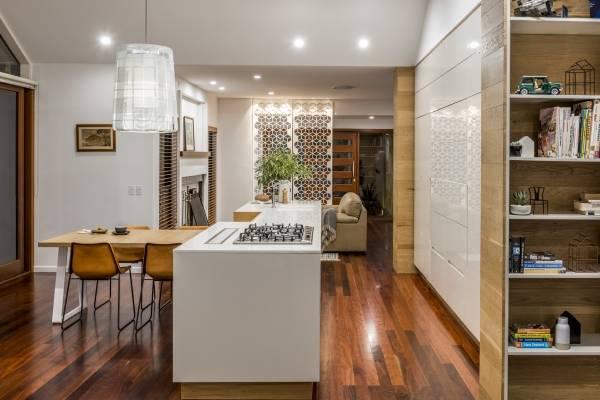Тонкие белые столешницы для кухни