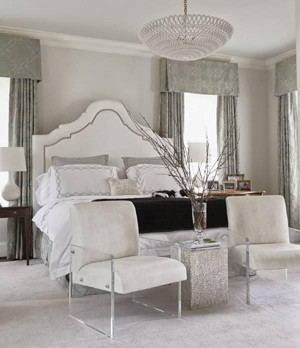 Бело серая спальня в зимнем стиле