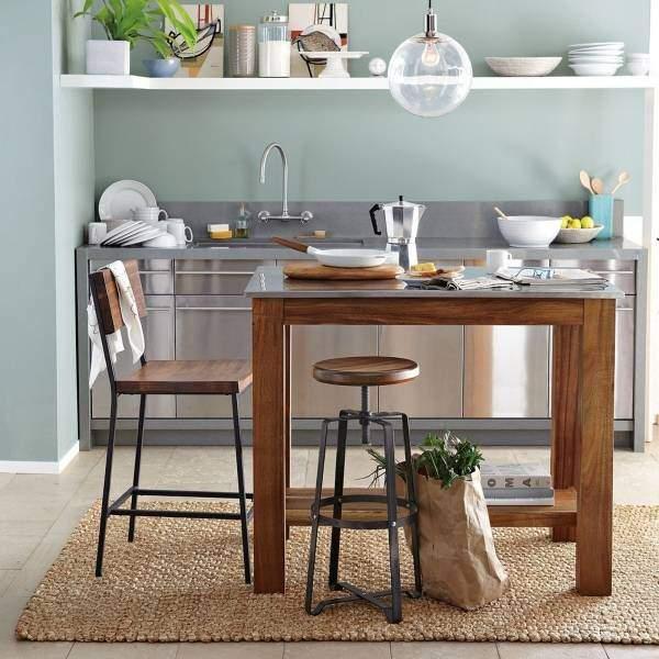 Массивный кухонный стол остров из дерева