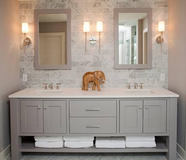 Простые прямоугольные зеркала для ванной комнаты