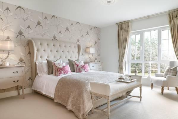 Флористические обои для спальни - фото в интерьере