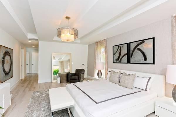 Современная спальня в белом стиле