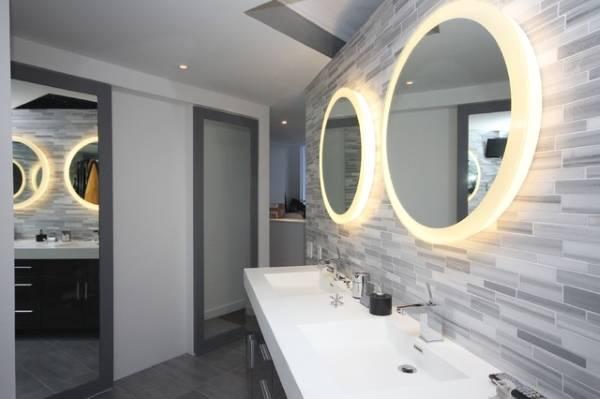 Круглое зеркало для ванной с подсветкой