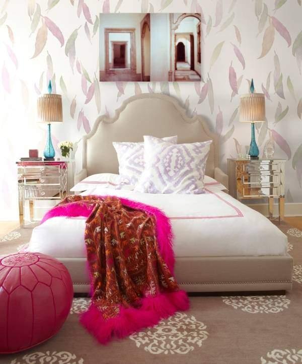 Нежные обои для спальни - фото в дизайне интерьера 2015