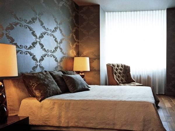 Роскошные обои для спальни в блеском металла