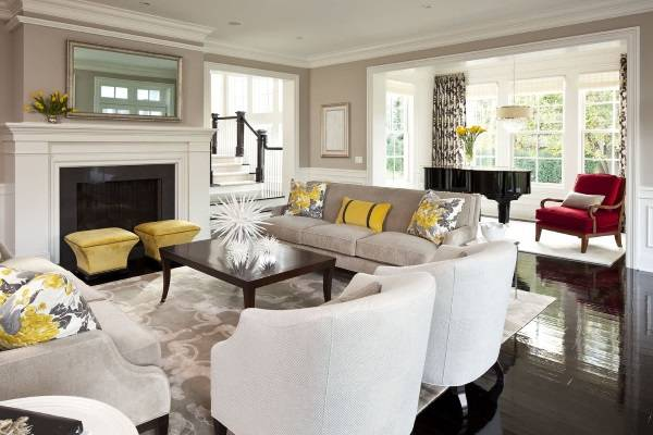 Желтый декор в интерьере гостиной