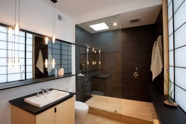 Стильное зеркало в ванную комнату с полочкой