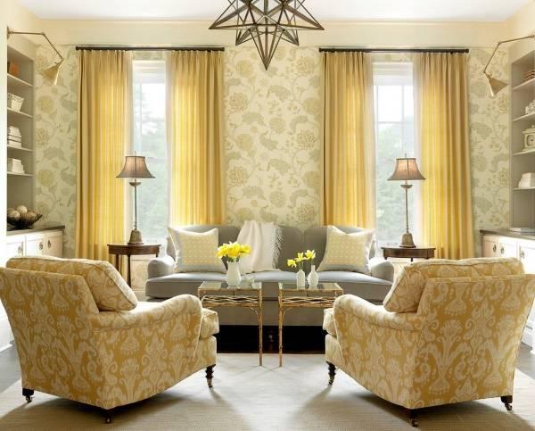 Сочетание желтого цвета и айвори в гостиной